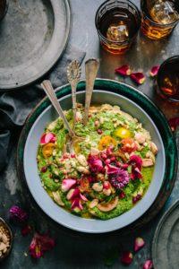 Belle salade ouvrant l'appétit
